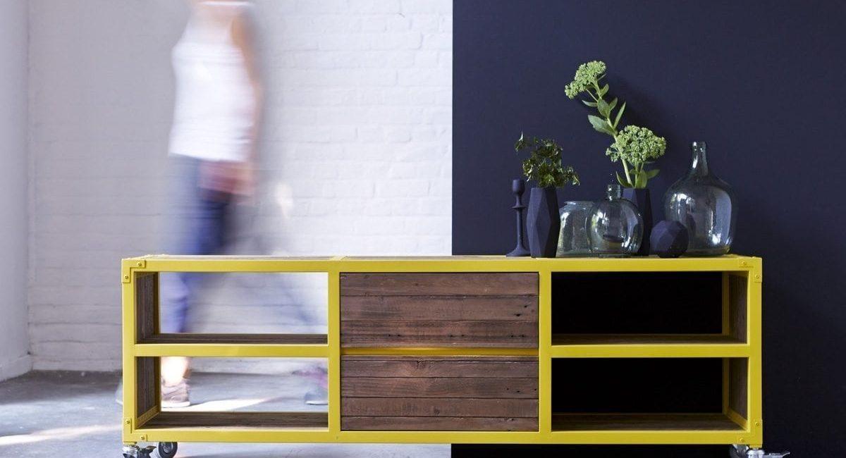 Meuble-TV-en-bois-recyclés-et-métal-160-Atelier-yellow-8.jpg